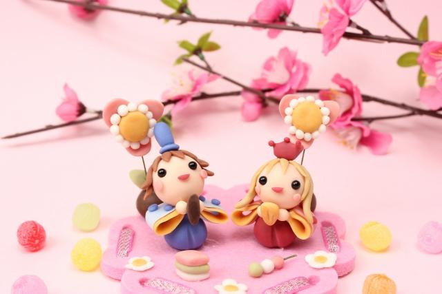 可愛いひな祭りの人形