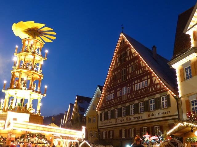 外国のクリスマスマーケットとクリスマスタワー