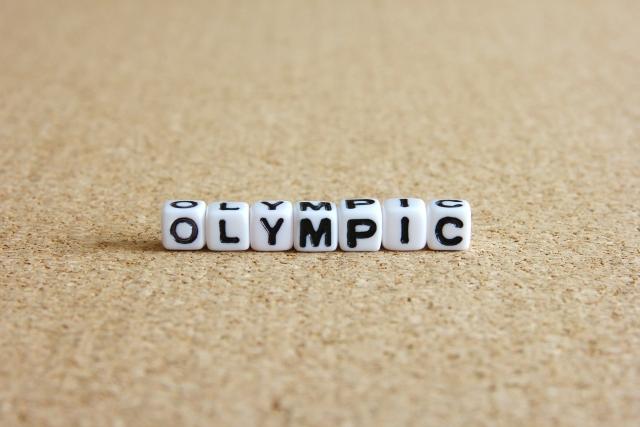 OLYMPICと書かれたサイコロ