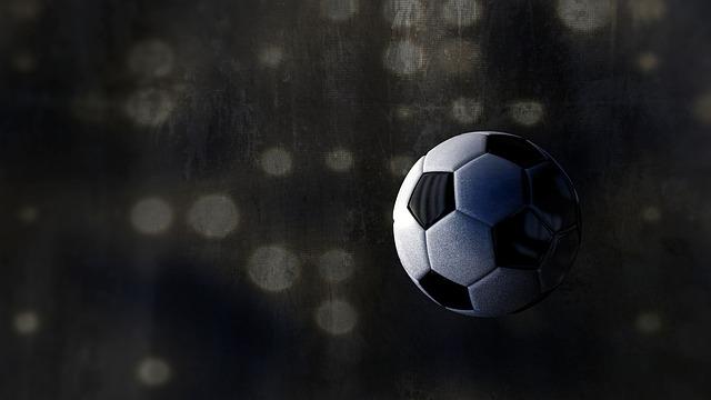 空中のサッカーボール