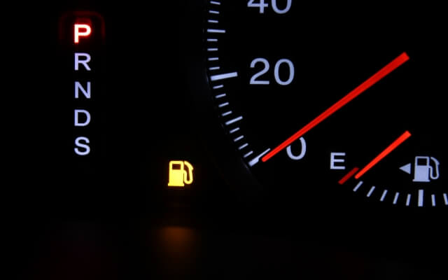 車の給油ランプ