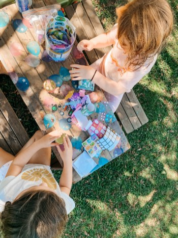 integrates nature play and social-emotional learning with yoga philosophy and practices for children