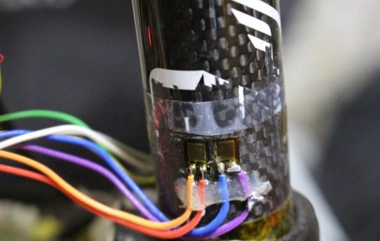 【PM2020】ペダリング時のサドル荷重変動測定してみた<踏力での荷重変動みえる>