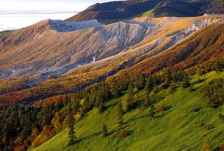 渋峠からの白根火山方面の眺め