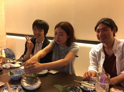向かって左から、研修医2年目の中嶋先生、牧野内先生、平林先生です。他の先生方も機会がありましたら、是非飲み会しましょう!