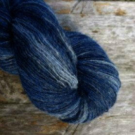 Ullcentrum Gradient Lace Weight Blue Jeans c) Midwinter Yarns