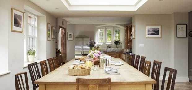 breakfasting-table1-928x435
