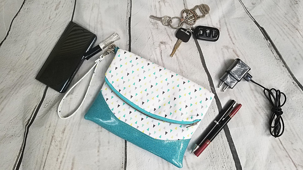 wristlet showing what it can hold
