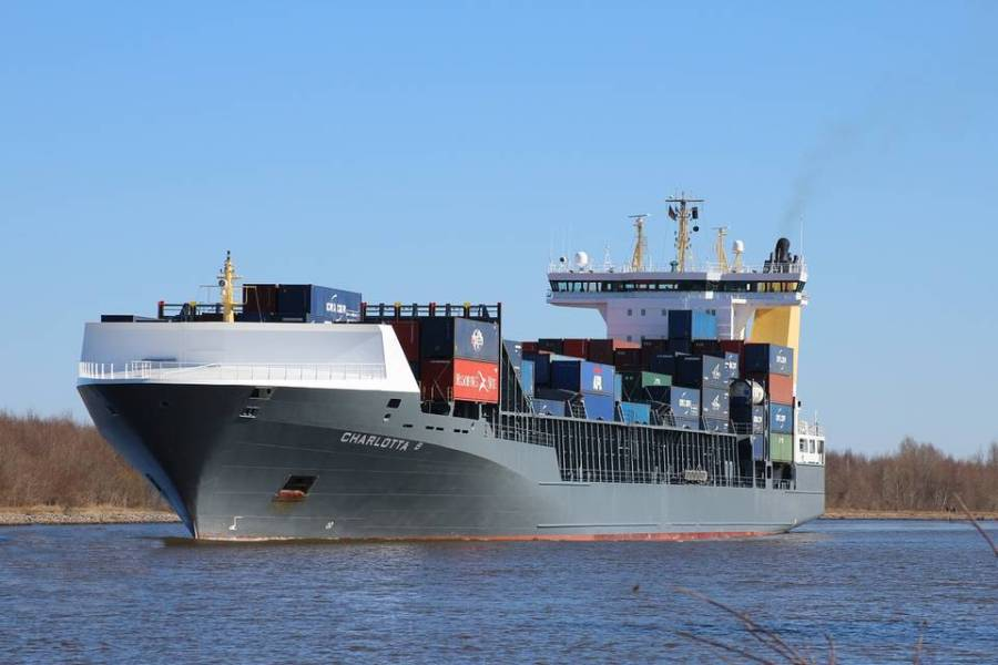 Freeboard - Container ship
