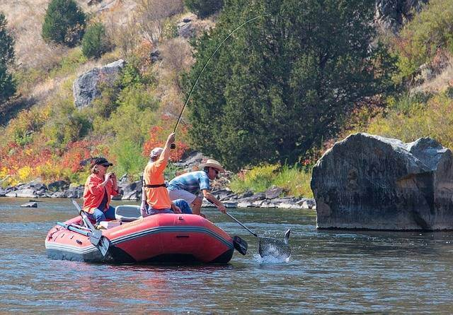 How To Choose The Best Inflatable Pontoon Boats