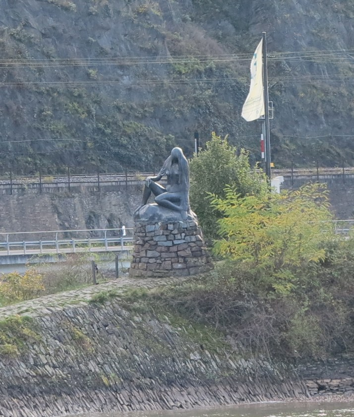 Stone siren: The Lorelei statue seen from our longship
