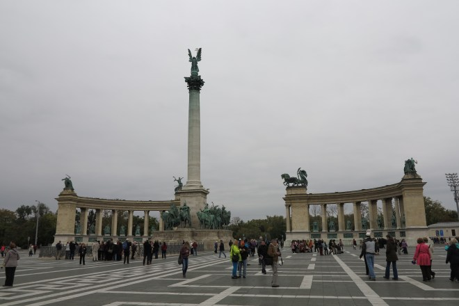 Open: Heroes' Square in Budapest