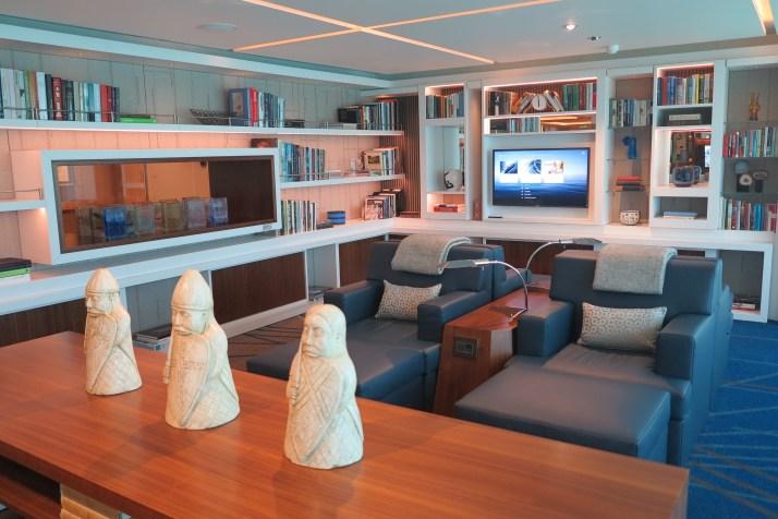 Art deck-o: The Living Room