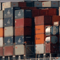 container loading1 - Direction of containers when loaded on a ship..