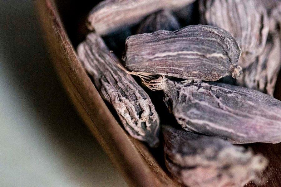 fondant au chocolat et à la cardamome noire fumée, recette végétarienne, recette sans gluten, épices biologiques, Épices Shira