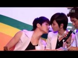 Sm5xQW56OFMtakEx_o_fancam-120714-myungsoo-and-sungjong-moment---star-give-