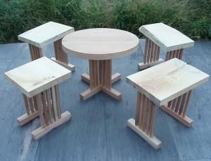 縦格子脚の家具