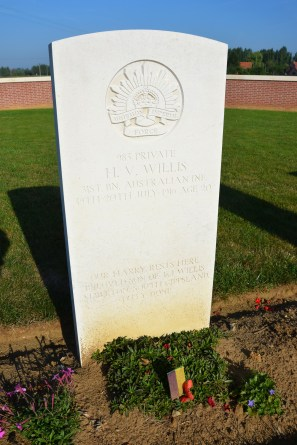 Pheasant Wood Military Cemetery, Fromelles