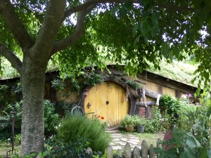 A hobbit house in Hobbiton, New Zealand, preserved from the movie set.
