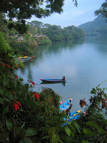 忘了为什么我没在佩瓦湖划船。(Pokhara, Nepal)