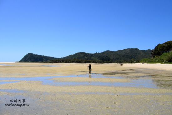 一个人旅行虽有无限自由,却要可承受得起孤独。有感动无处可分享,有问题无人可一同分担,有心事无人可诉。