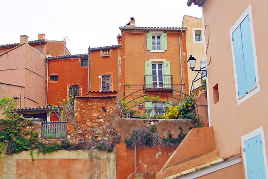 The town of Roussillon in the Vaucluse (Provence, France)