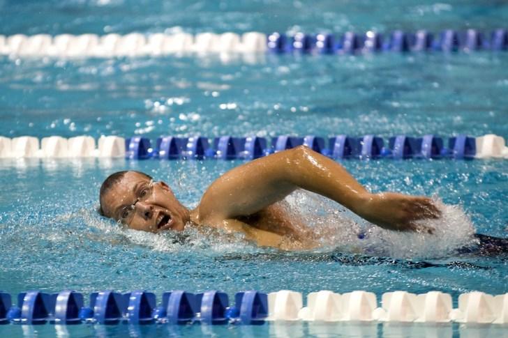 swimmer-659906_960_720