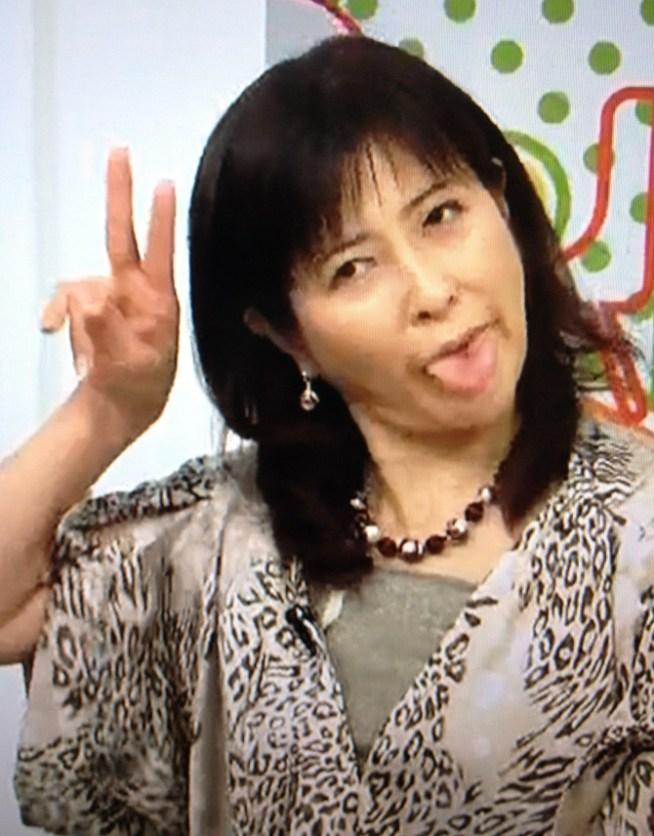 岡江久美子のてへぺろ舌出し