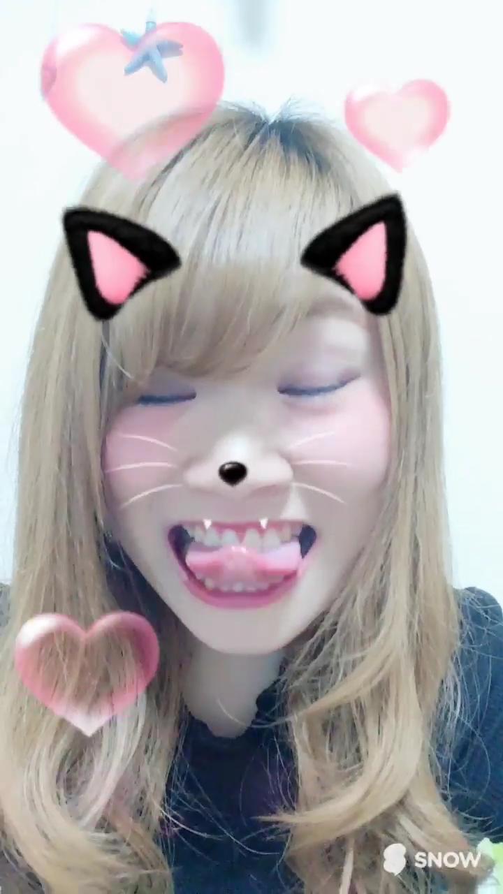 素人ギャルの変顔舌出し (13)