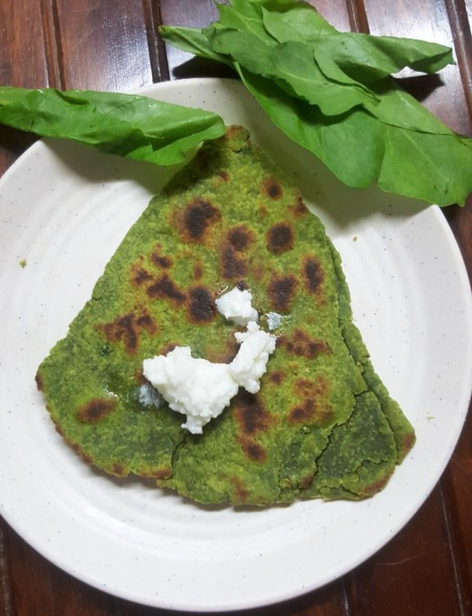 KHASTA PALAK PARATHA !! Spinach Flatbread