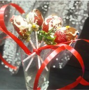 How to Make Valentine's Strawberry Bouquet with the Dairy Milk Spready