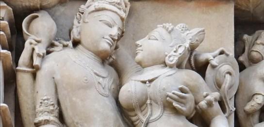 Khajuraho-LoveStatue002