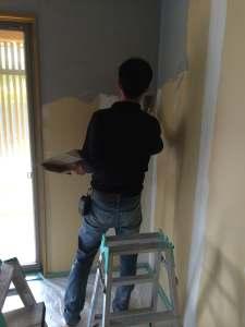 漆喰(しっくい)塗装 自然素材の家づくり 株式会社自然工房縁