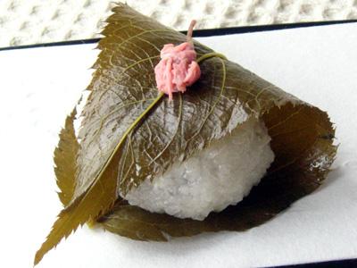 WAGASHI-SAKURA-MOCHI-3