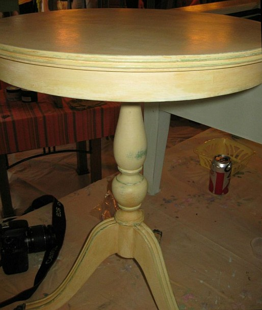 July 9 Shizzle Style Paint Workshop West Michigan drum table gold green chalk clay layered paint ideas