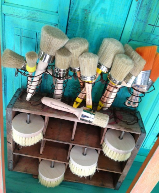 Shizzle Design buy American Paint Company chalk clay paint Vintiquities brushes display hutch shoreline beach glass