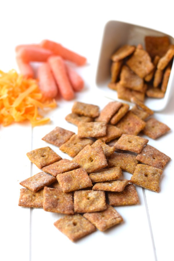 4 Ingredient Cheesy Carrot Crackers | Healthy Ideas for Kids