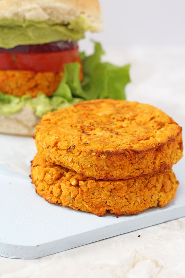 Delicious veggie burgers packed with sweet potato and chickpeas and lightly spiced with cajun seasoning. www.superhealthykids.com