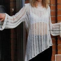 Ажурный пуловер с косым краем