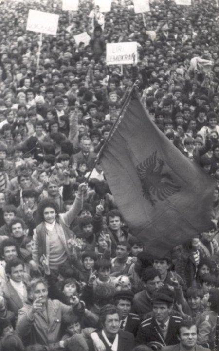 Mitingu i parë demokratik në Shkodër më 1990