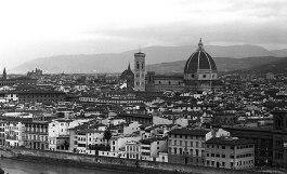 As seen from Piazza della Michelangelo.