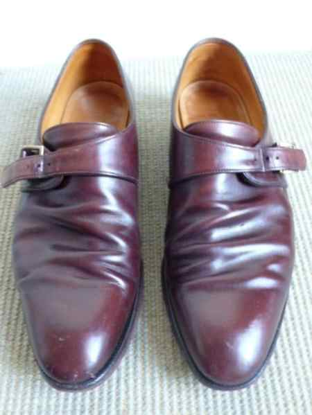 Shoes from John Lobb that isn't more than a year old when the pic is taken, with heavy creases due to not using shoe trees.