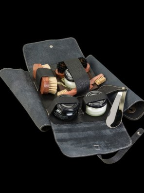 Nomad Black Leather Set