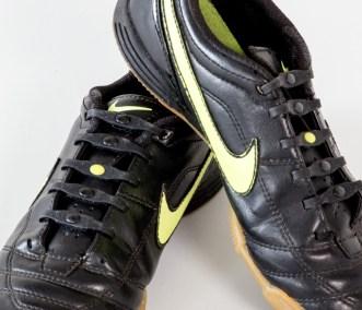 shoeps-black-small-01