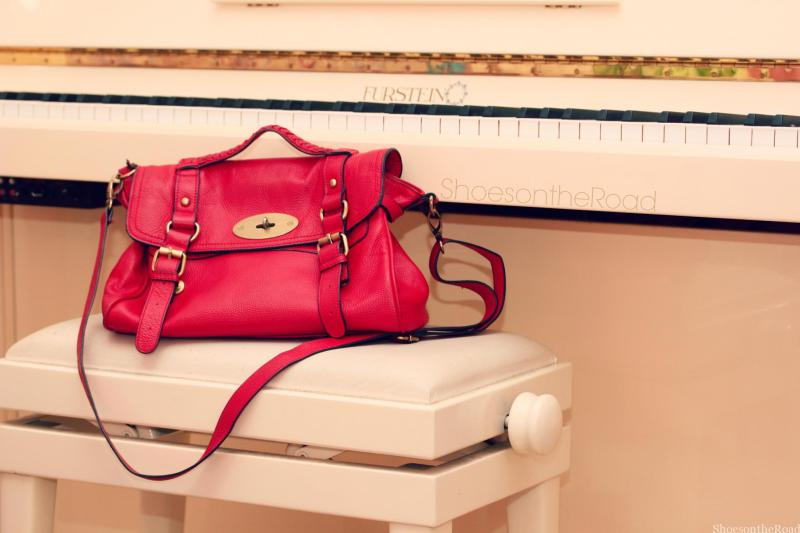Dudu_bags_shoesontheroad_red_messenger