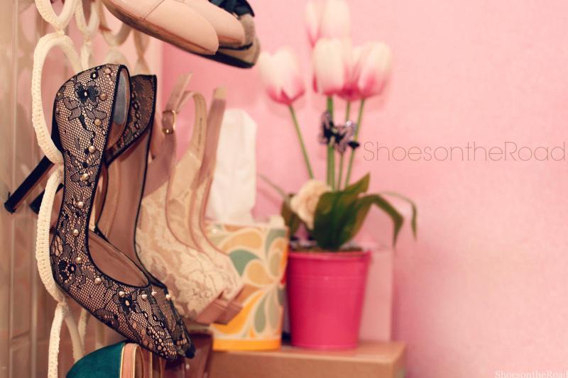 Zara_shoesontheroad_asimmetric_pumps