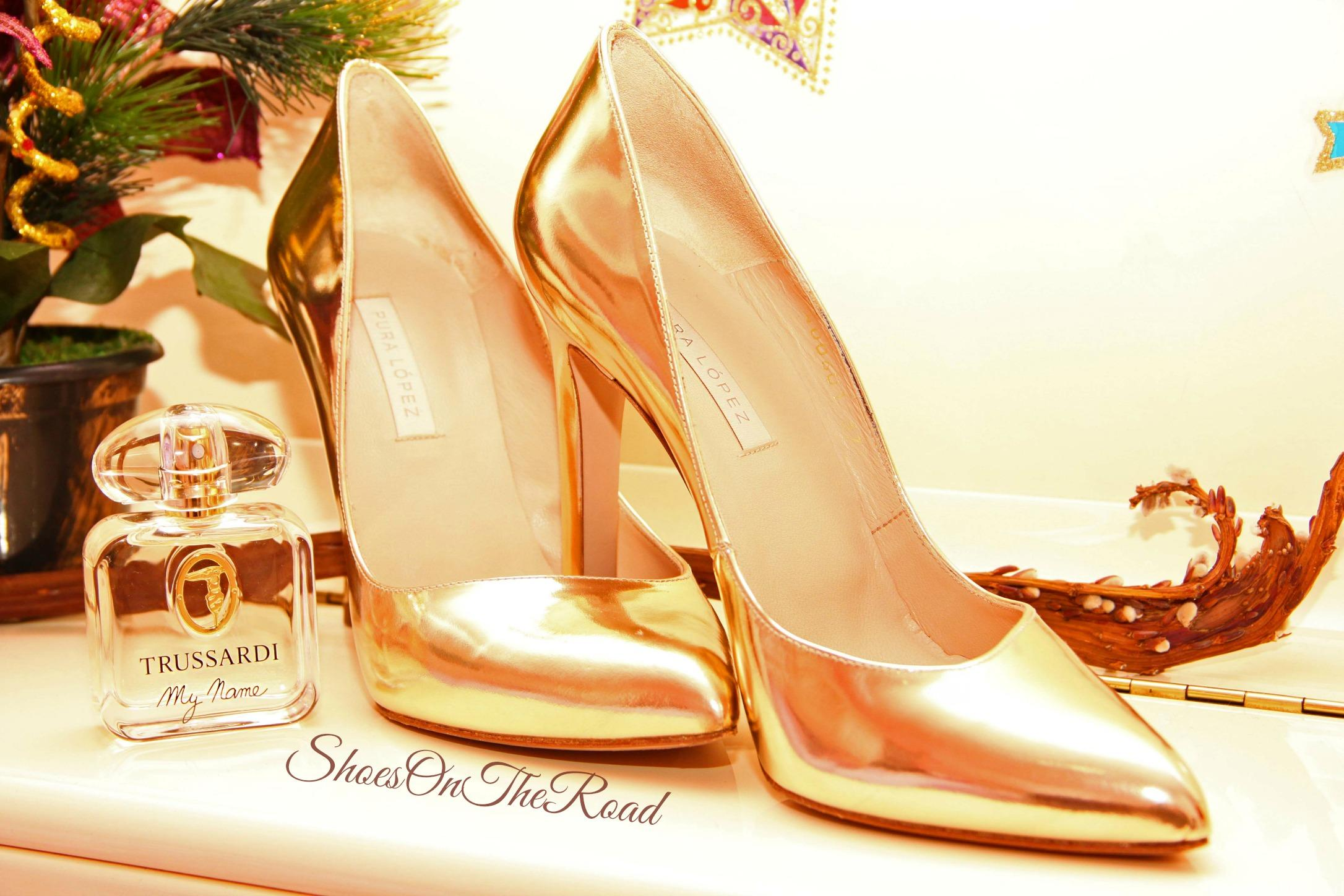 Pura_Lopez_Shoesontheroad_gold_1