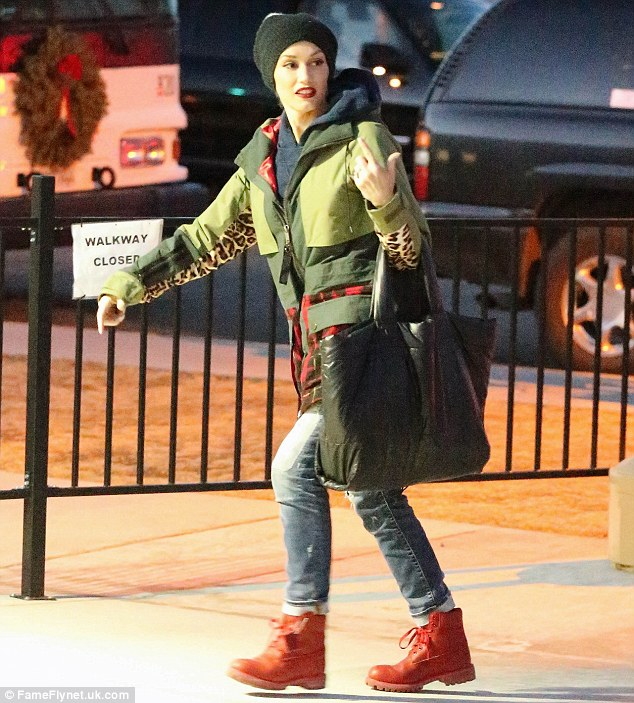 gwen stefani red timberland boots mammoth california 22 4