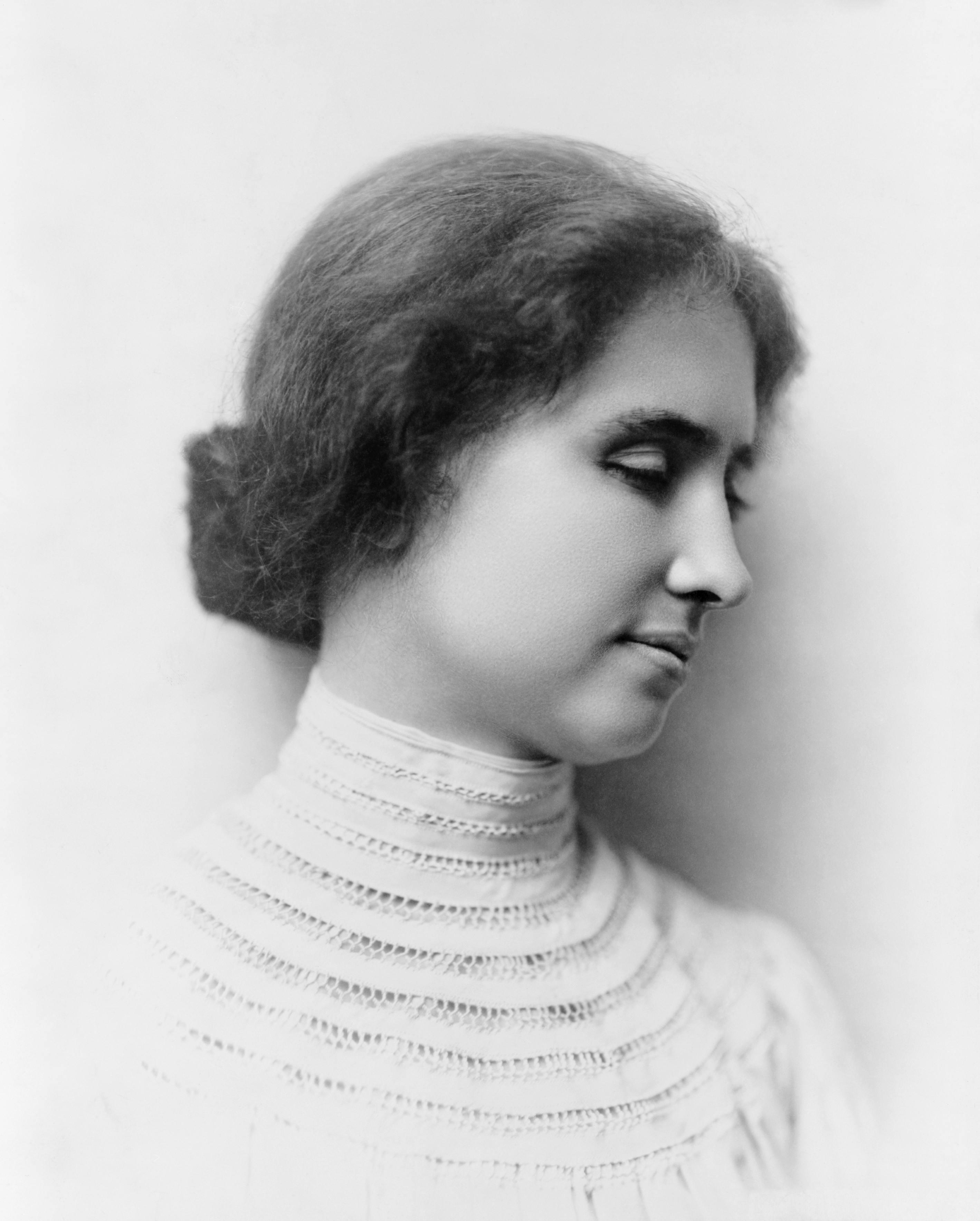 Helen Keller Biography From Shoes That Amuse
