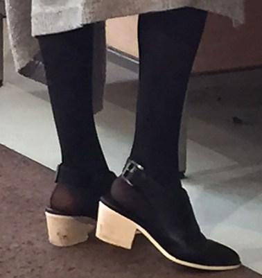 Light chunky heel